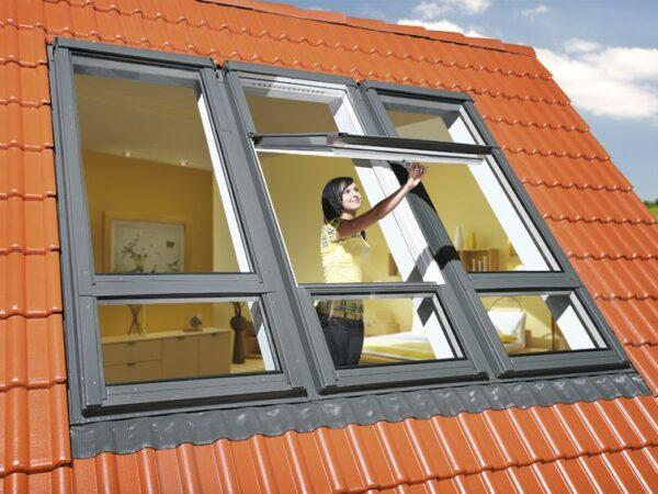 Tõstetud hingedega kahe raamiga katuseaknad FAKRO