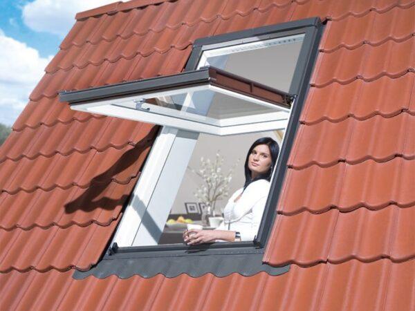 Tõstetud hingedega katuseaknad FAKRO